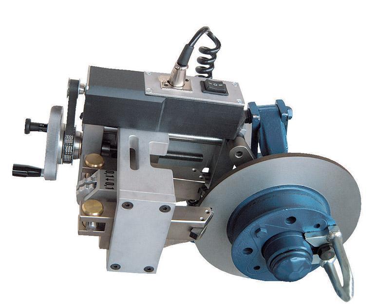 On the hub brake disc lathe